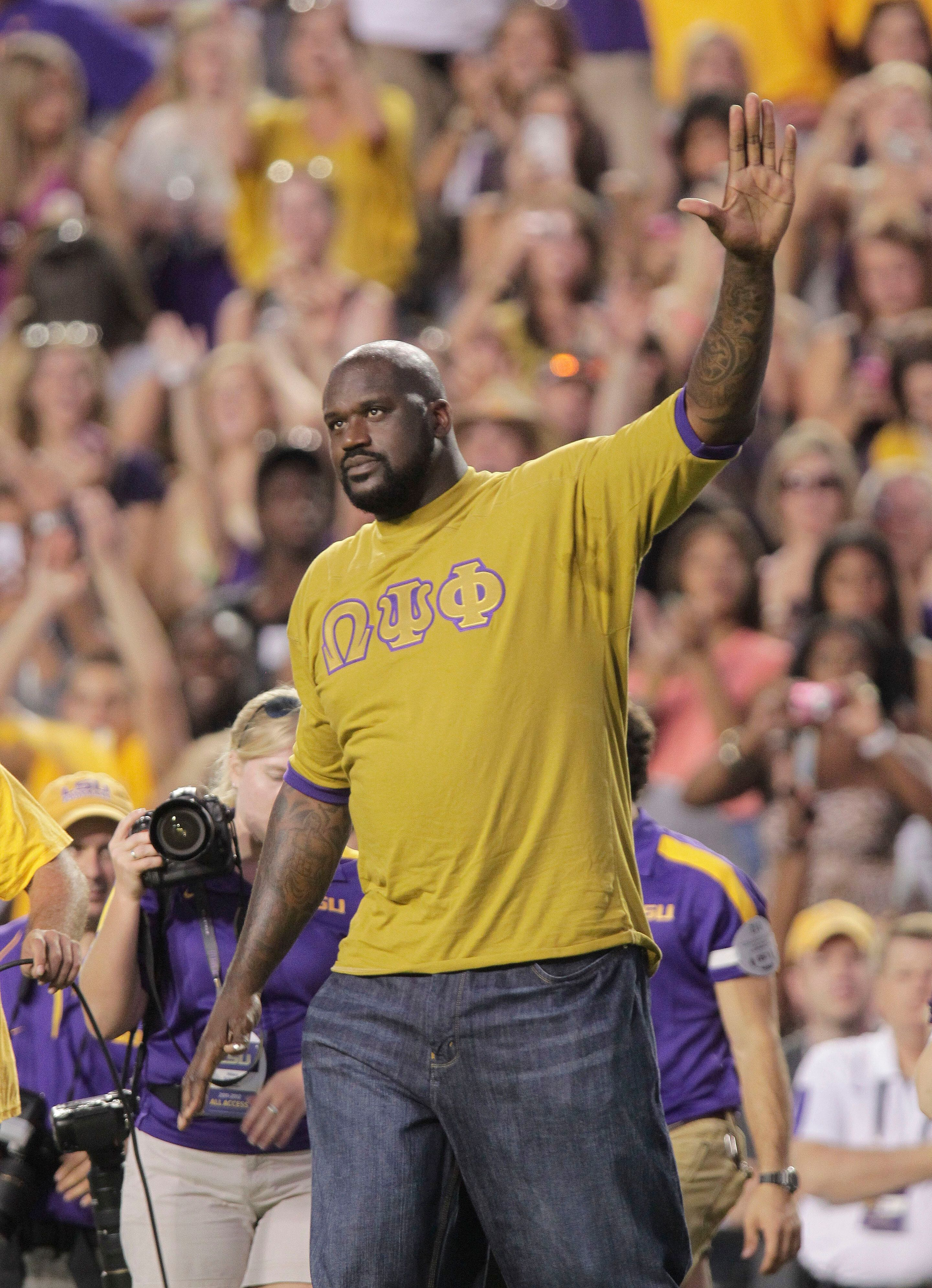 Watch Shaquille O'Neal Break Out Into 'O'Canada' After Raptors