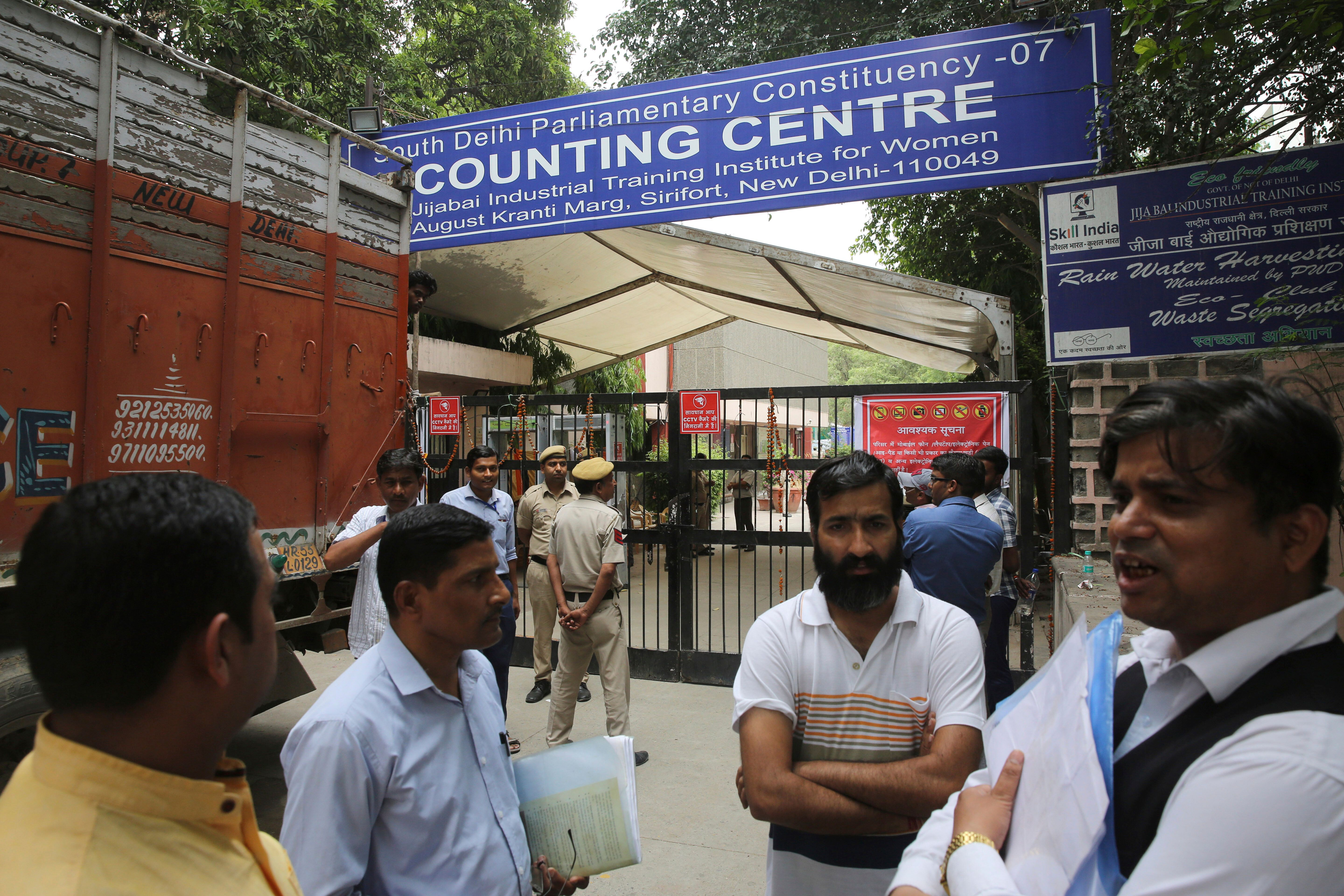 How The Election Commission Dodged Accountability These