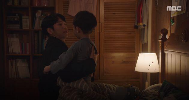 드라마 '봄밤' 첫방송에서 화제가 된