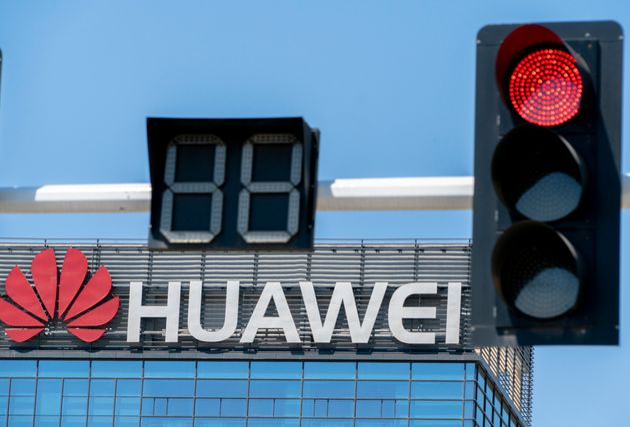 Panasonic κατά Huawei - Αναστέλλει κάθε συναλλαγή όπως και οι 68 θυγατρικές