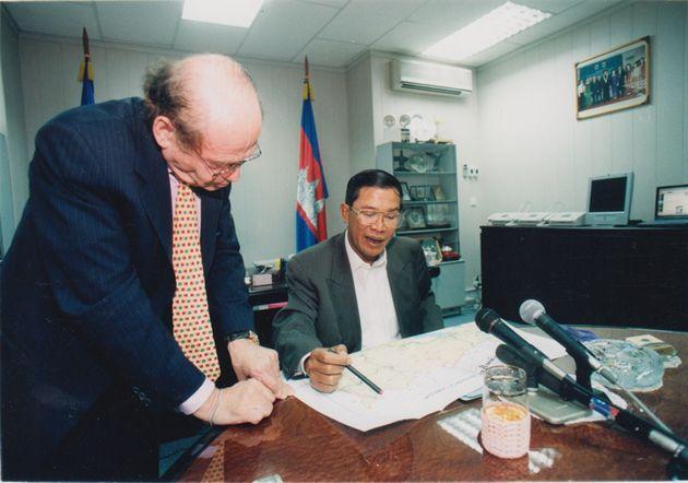 カンボジアのフン・セン首相と