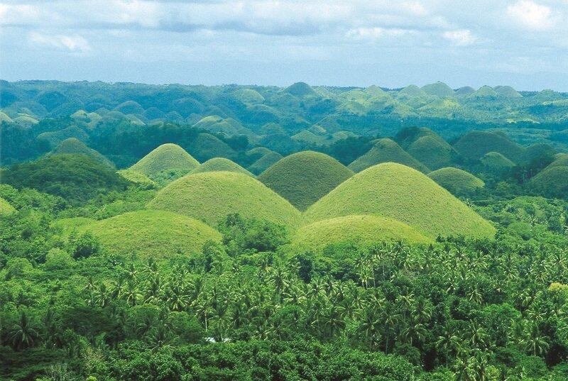 薄荷島上造型奇特的巧克力山(圖/菲律賓觀光部)