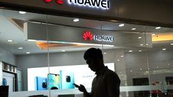 La défection de grands groupes met Huawei sous