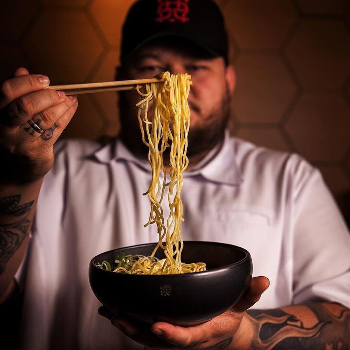 O chef Thiago Bañares, do Tan Tan Noodle Bar.