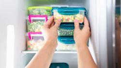 Come riorganizzare il frigorifero? Contenitori e barattoli per risolvere tutti i