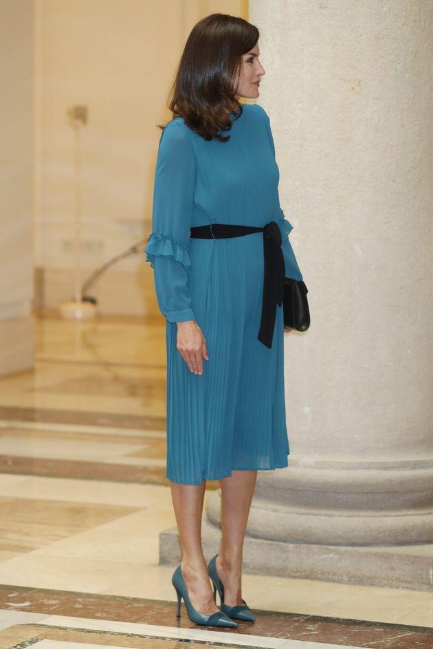 El mensaje oculto (y político) que muchos están viendo en este vestido de Letizia: no te darás cuenta...