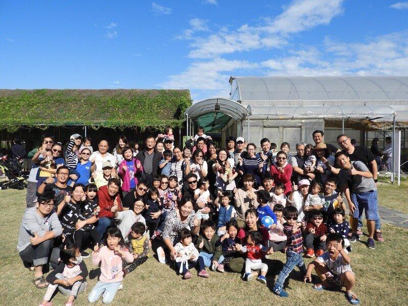 ▲社區不定期辦理出遊活動,動輒就是數十人參加。大毅樹幸福提供