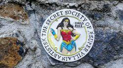 Quem é a sociedade secreta de supervilões artistas que está lutando por