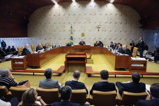 Em meio à movimentação do Congresso Nacional, a sessão desta quinta foi iniciada...