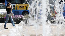 서울엔 폭염주의보, 강원 동해안엔