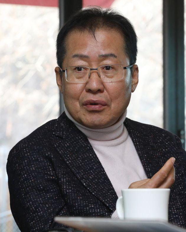 홍준표 전 자유한국당 대표도 '베이비 필터'로 사진을