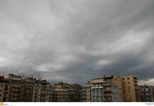 Χαλάει για λίγο ο καιρός: Ποιες περιοχές θα επηρεάσουν τα