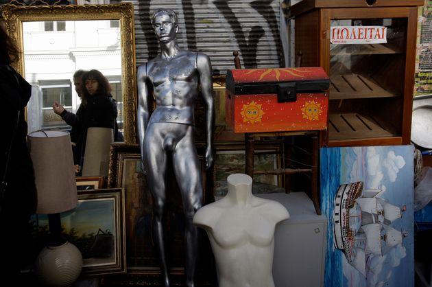 Οι μπορχικοί καθρέφτες, η ελληνική κανονικότητα και οι