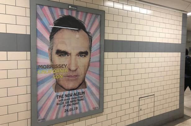 Γιατί απαγορεύτηκαν οι αφίσες του Morissey στις δημόσιες συγκοινωνίες του