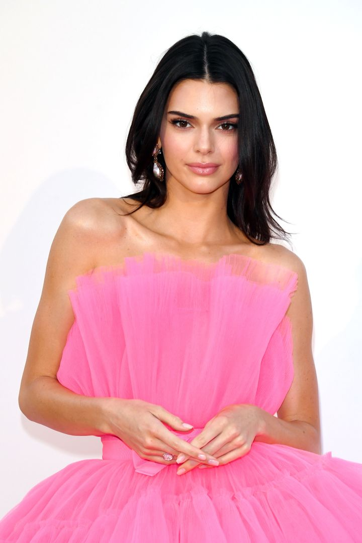 Jenner kept her makeup and hair simple, yet glamorous -- and let her dress do all the talking.