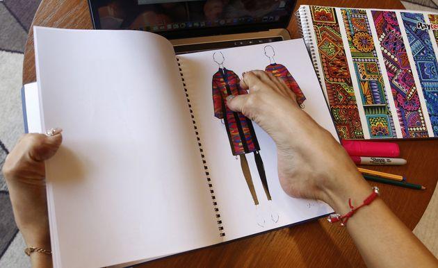 Cette designer crée des vêtements avec ses
