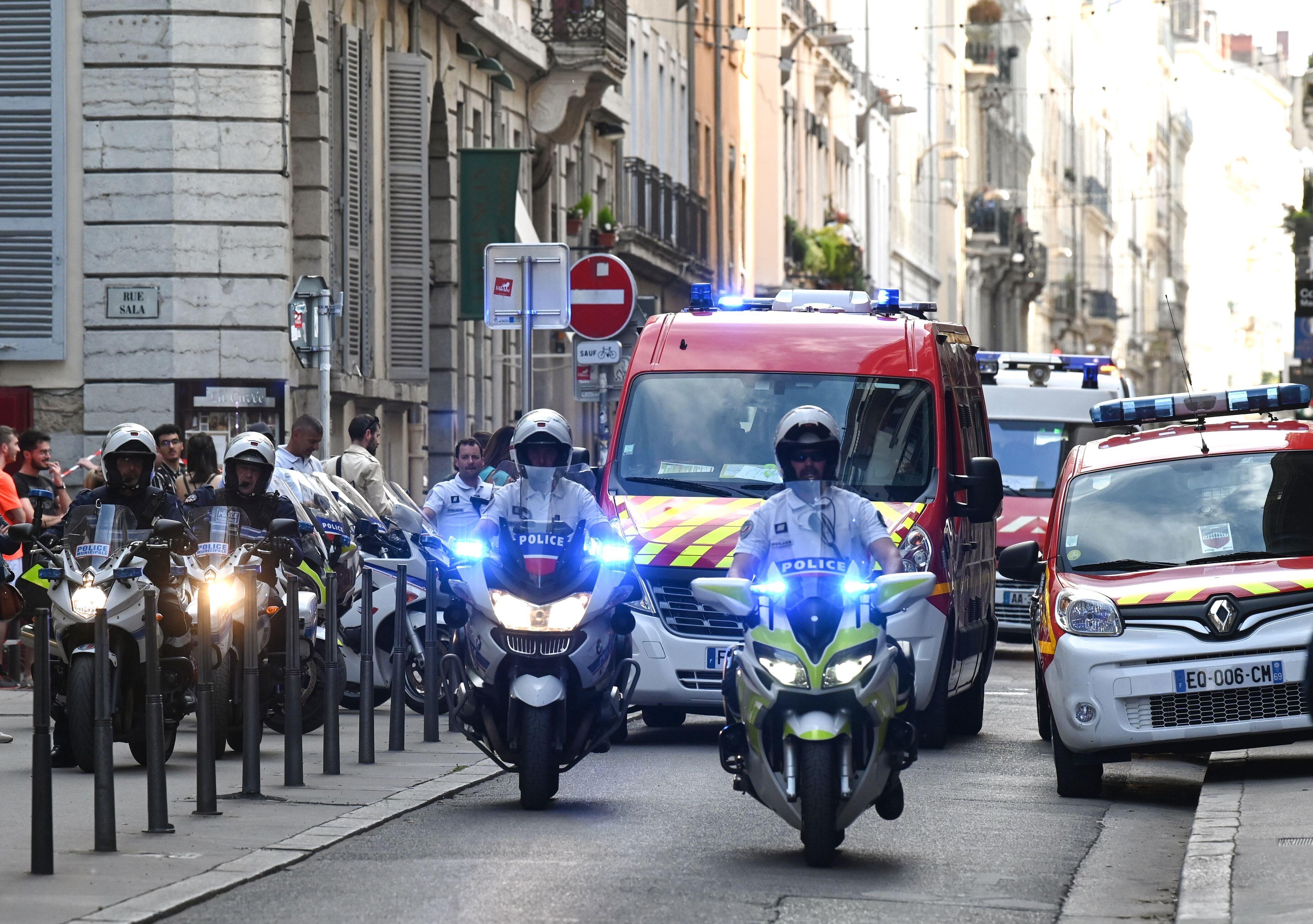 Explosion à Lyon: piste du colis piégé