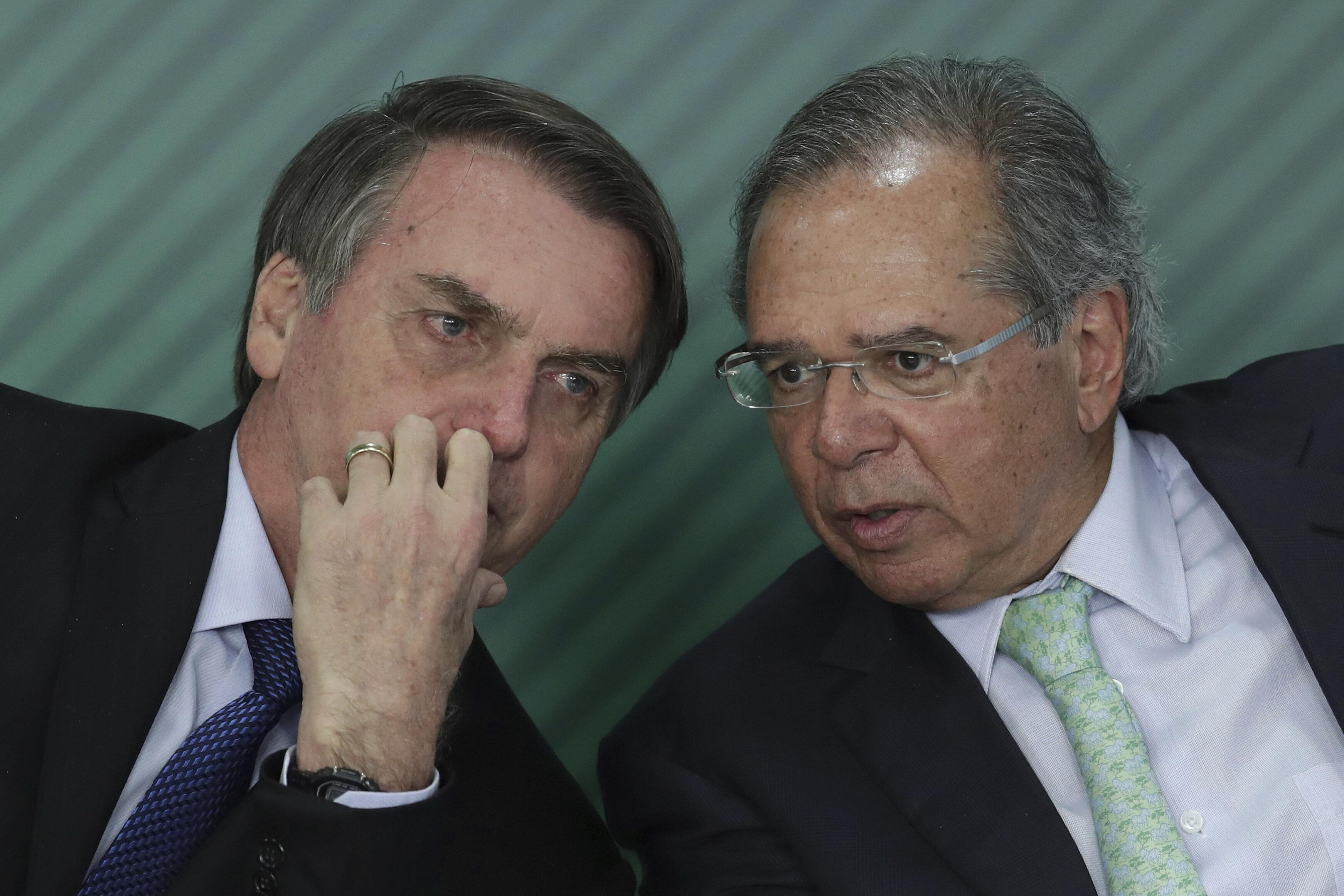 Paulo Guedes 'não é obrigado a continuar como ministro', diz