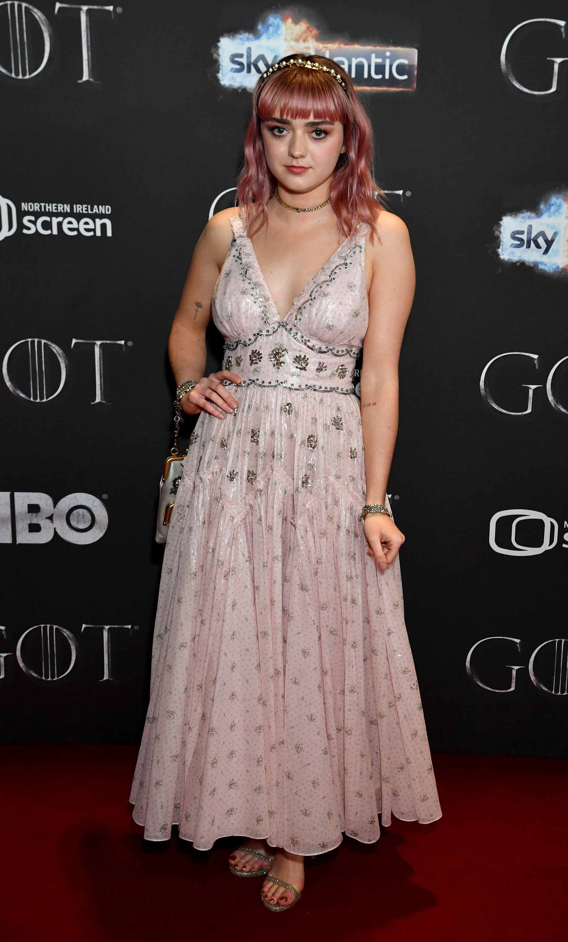 BELFAST, NORTHERN IRELAND - APRIL 12: Maisie Williams arrives at the Game of Thrones Season Finale Premiere at the Waterfront Hall on April 12, 2019 in Belfast, Northern Ireland.  (Photo by Jeff Kravitz/FilmMagic for HBO)