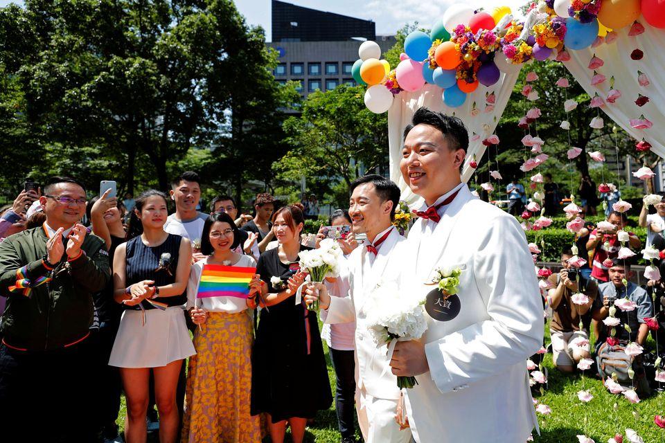 Pioneiro do continente asiático, Taiwan realiza primeiros casamentos LGBT do