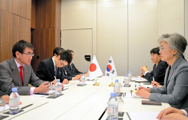 日韓首脳会談に河野外務大臣「現状難しい」異例の見送りか。韓国側との会談でも激しい応酬