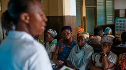 Ουγκάντα: Απατεώνες πωλούσαν σε πιστούς χλωρίνη ως «θαυματουργό φάρμακο» για το