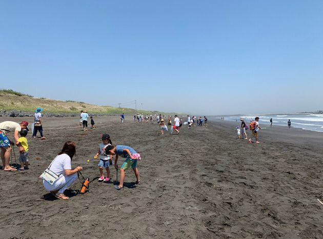 千葉一宮町で行われたビーチクリーン 子供もたくさん参加していた。
