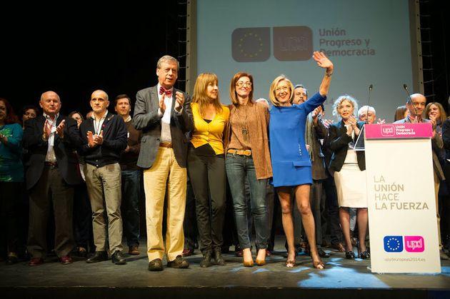 Rosa Díez junto a tres de los futuros eurodiputados de UPYD durante la