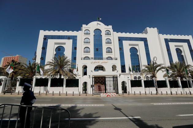 Le Conseil constitutionnel statuera ce dimanche sur l'opération de dépôt de