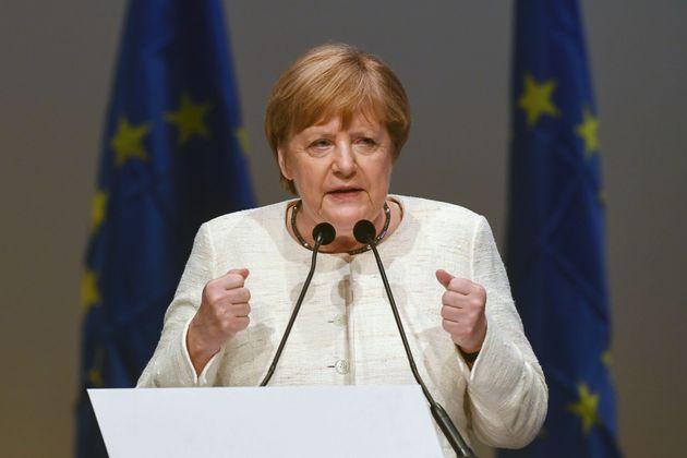 Le colpe di Angela verso