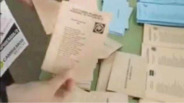 Detectados sobres con papeletas del PP en dos colegios