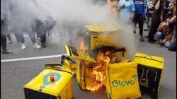 Repartidores de Glovo protestan en Barcelona por la muerte de un