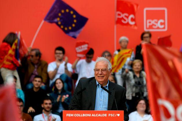 Josep Borrell, en un mitin de campaña en