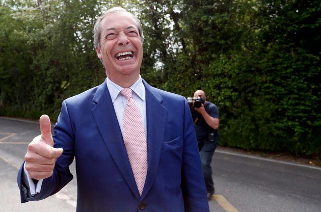 Βρετανία - Ευρωεκλογές: Πρώτο το κόμμα Brexit του Νάιτζελ Φάρατζ, συντριβή για τη