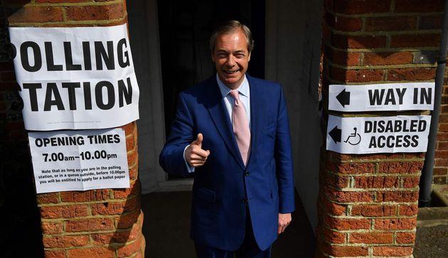 El Partido del Brexit de Farage arrasa en las