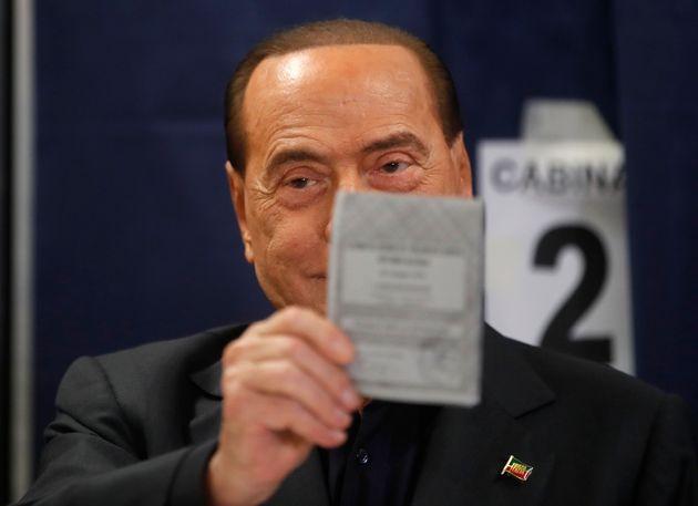 Berlusconi torna il Parlamento a Bruxelles a sei anni dalla decadenza