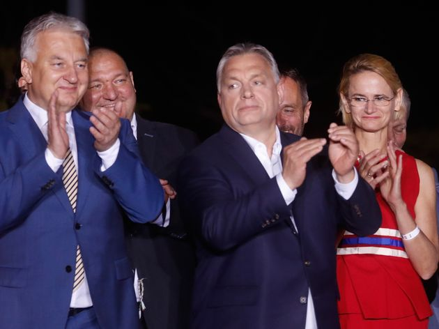 Viktor Orban face à ses soutiens ce 26 mai à