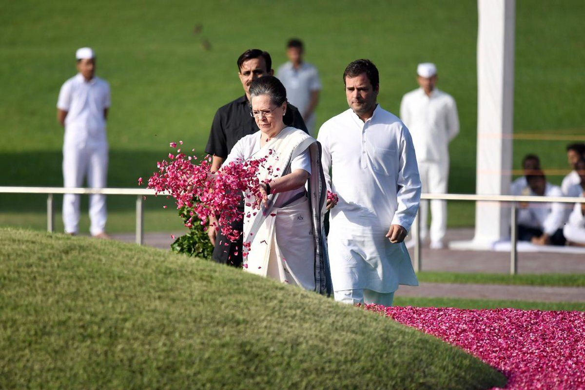 Rahul Warns Against Dictatorships During Homage To Nehru On 55th Death