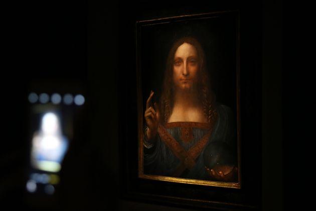 Το Λούβρο αμφισβητεί τη γνησιότητα του Salvator Mundi, του πιο ακριβού πίνακα όλων των