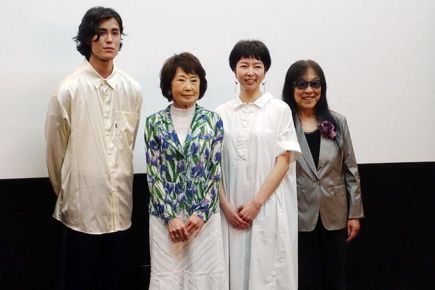 映画『雪子さんの足音』舞台挨拶の写真