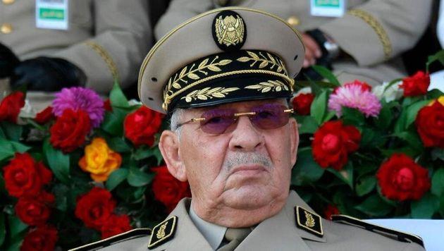 Gaïd Salah en visite à la 6ème Région militaire à partir