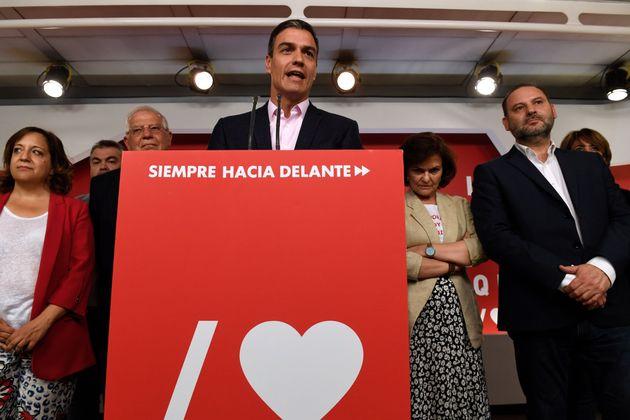 La camiseta de Carmen Calvo el 26-M: otra declaración de