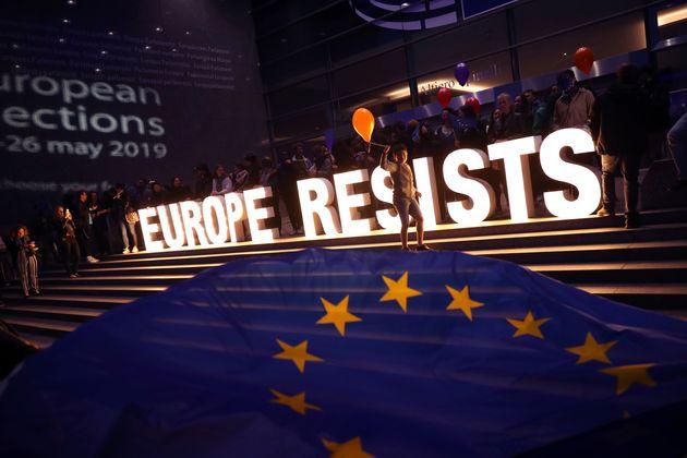«Η Ευρώπη αντιστέκαται»...