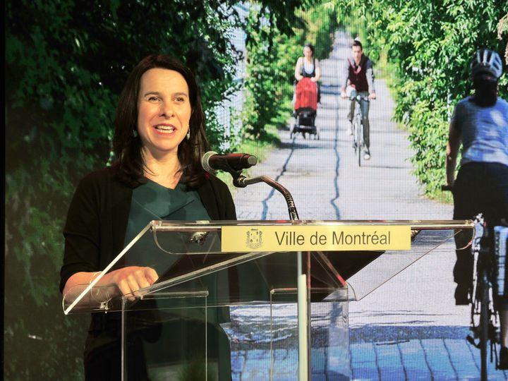 Valérie Plante, mairesse de Montréal, a présenté un Réseau express vélo prolongé, qui connectera les pointes est et ouest de l'île de Montréal.