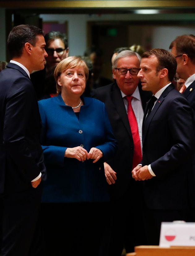 Domani primo primo test per un'intesa Merkel-Macron-Sanchez. Strada in salita per
