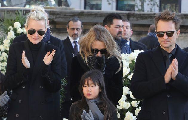 Laeticia Hallyday, Laura Smet et David Hallyday lors de l'hommage à Johnny Hallyday en décembre