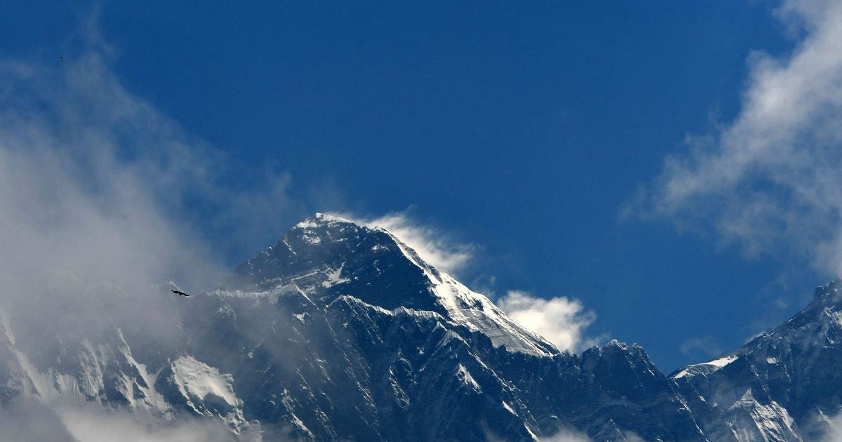 American Climber Becomes Latest To Die On Everest's Nepali Side This Year thumbnail
