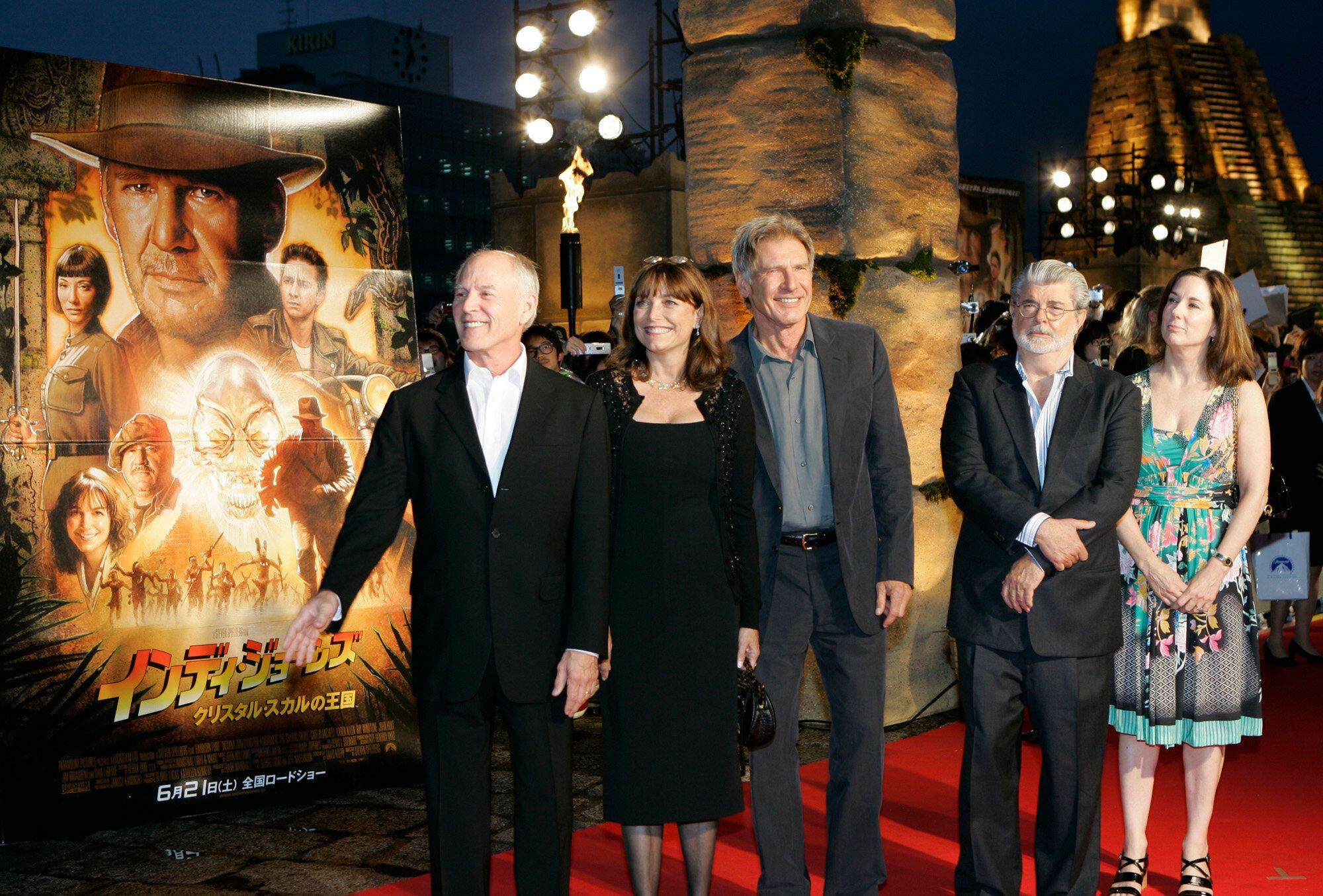 "Actor Harrison Ford, center, executive producer and writer George Lucas, second from right, co-star Karen Allen, second from left, and producers Frank Marshall, left, and Kathleen Kennedy, stand together at the premiere of ""Indiana Jones and the Kingdom of the Crystal Skull"" in Tokyo, Thursday, June 5, 2008. (AP Photo/Shizuo Kambayashi)"