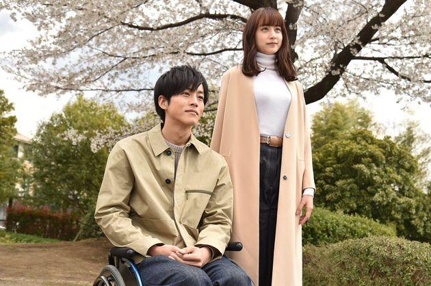 ドラマ「パーフェクトワールド」は、樹(松坂桃李)とつぐみ(山本美月)の恋を描く