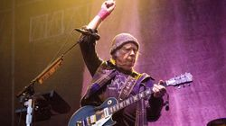 LEGEND: Festival Pulls The Plug On Neil Young, He Keeps Playing